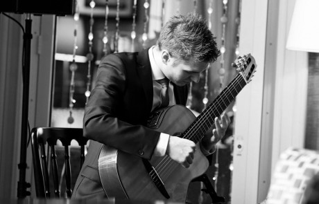 Classical Guitarist for Wedding